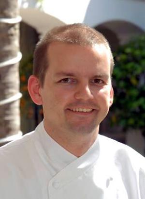 """De origen alemán, Thomas Stork comenzó su carrera en el mundo de la cocina con solo 14 años. En 1992 comenzó a trabajar en una cocina con una estrella Michelin y desde aquí alcanzó su sueño, trabajando en el restaurante de tres estrellas Michelin """"Residenz Heinz Winkler""""."""